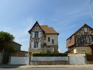 3 bedroom Villa in Blonville-sur-Mer, Normandy, France : ref 5046506