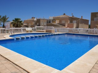 Nice villa+pool,wifi and 500m from the beach!
