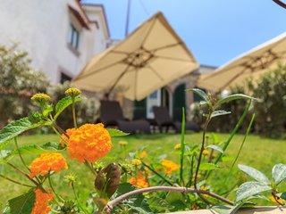 ROSA - House with garden in Montechiaro
