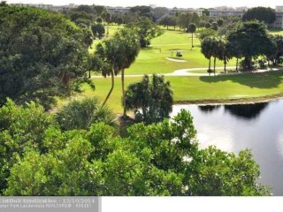 Large 1810 sqft, 3BR/3BR condo, 7th floor, view on Palm Aire Country Club Golf
