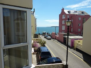Two bed spacious apartment with parking in the heart of Tenby