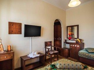 Semiramis Guesthouse Standard Triple