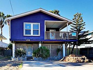 1116SS - Best Purple House in Port A 4 Bedroom 2 Bath Sleeps 13