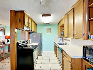 1116SS - Best Purple House in Port A 4 Bedroom 2 Bath Sleeps 13