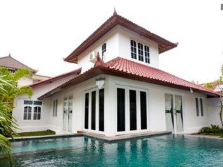 5 min walking distance to the beach Villa in Padma