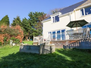 CHY RYN, open pla, fantastic views, WiFi, near Tywardreath, ref 974078