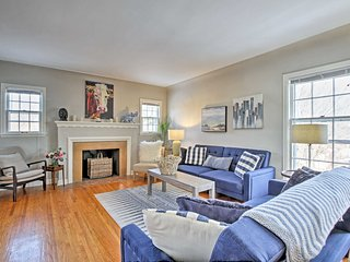 NEW! Lovely 3BR Minneapolis Apt. Mins to Downtown!