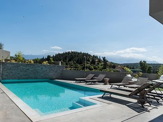 Villa Blanche, Top Quality Villa Surrounded by Nature, Close to the Beach
