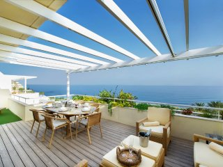 Superb Beachside Penthouse, Unrivalled Sea Views, Private Pool