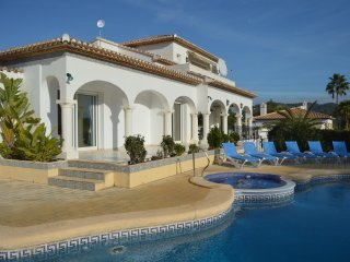 Villa Zorro In Javea With Infinity Pool, Jacuzzi And Next To Javea Golf Course
