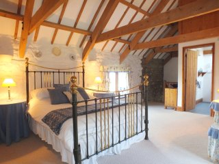 Stable Cottage Nr Newport 146