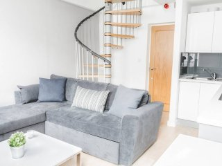 Cosy & Central 1 Bed Apt. Walk Everywhere!