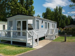 Beachcomber (BD8) - Hopton on Sea (near Great Yarmouth/Lowestoft) No Dogs