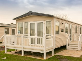 Sunningdale (SR120) - Hopton on Sea (near Great Yarmouth/Lowestoft) Pet Friendly