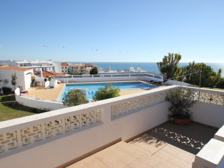2 bedroom apartment with pool and sea views Free A/C and Wi-Fi