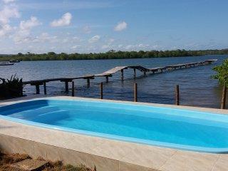 Casa Arcádia com Piscina e 5 Suítes em Itacaré na Beira do Rio de Contas