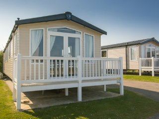 Bordeaux (OV20) - Hopton on Sea (near Great Yarmouth/Lowestoft) No Dogs