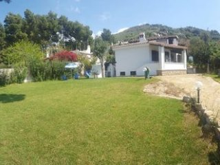 EXCLUSIVE VILLA with PANORAMIC suite at 50 meters from the BEACH, park of 1200mq