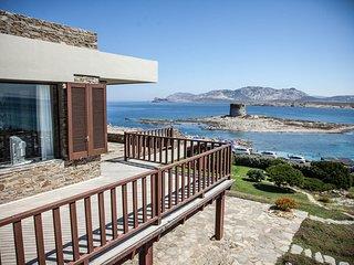 Villa Tiadora, in front of the beach, spectacular view