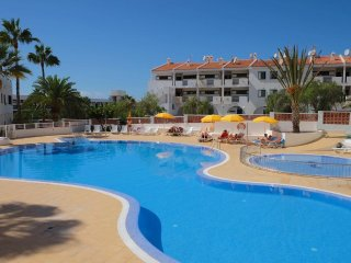 Beautiful Sea Views. Tranquil 1 Bedroom Apartment. Callao Salvaje. Sleeps 2|aqua