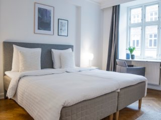 LOVELY 4-ROOM APARTMENT IN CITY CENTRE