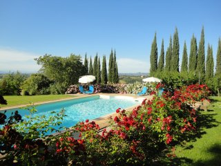 Garden Country Apartment in S. Gimignano