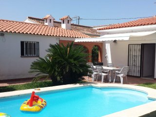 Fabulous villa with private pool near beach - Sleeps 8 - VTB registered