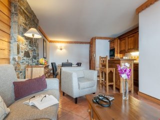 Standard 4 BR Apartment at Premium Residence Les Hauts Bois