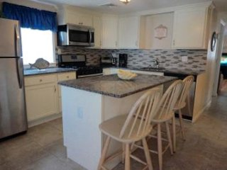 Spacious Ortley Beach, 3 Br, Beach Block, WiFi, Badges