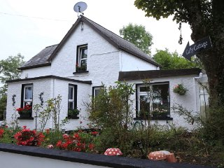 Cully Cottage Leitrim - A Delightful Peace Of Heaven Perfect For A Break