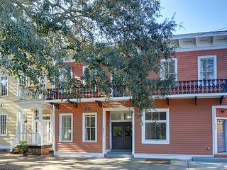 """Rest Well with Southern Belle Vacation Rentals at """"Parkside Manor"""""""