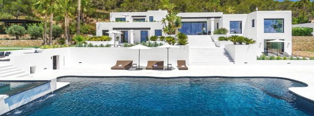 Superb villa with private pool in Ibiza