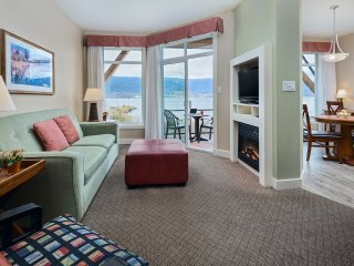 Summerland Resort 2 Bedroom Condo with Bluff View