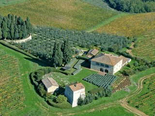 Villa La Rotonda - Wonderful villa near Siena with medieval tower and swimming p