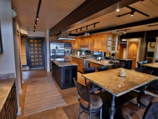 3 Bedroom Premier for 8 at Interlude Condominiums in Snowmass, CO
