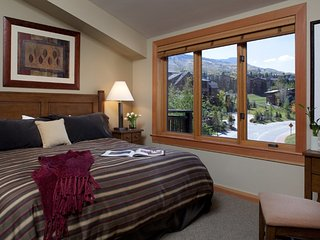 1 Bedroom Premier for 4 at Capitol Peak Lodge in Snowmass, CO