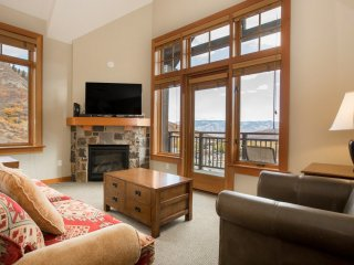 2 Bedroom Premier for 6 at Capitol Peak Lodge in Snowmass, CO