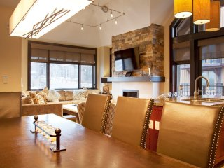 3 Bedroom Platinum Point for 8 at Capitol Peak Lodge in Snowmass, CO