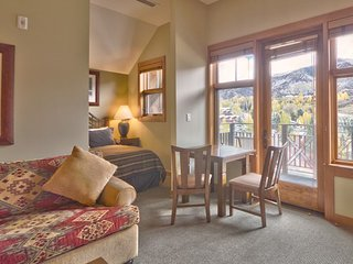 Studio Premier for 2 at Capitol Peak Lodge in Snowmass, CO