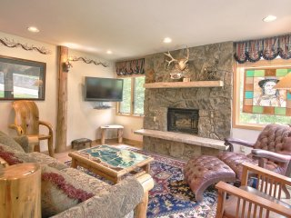 3 Bedroom Premier for 8 at Tamarack Townhomes in Snowmass, CO