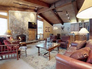 3 BR Premier Point for 6 at Top of the Village Condominiums, Snowmass
