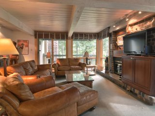 4 Bedroom Premier for 8 at Top of the Village Condominiums, Snowmass