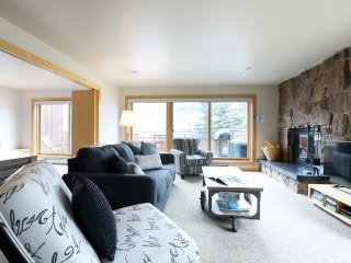 1 Bedroom Premier for 4 at Villas at Snowmass Club, Snowmass, CO