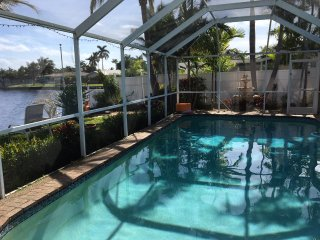 Heated Private Pool - WATERFRONT - Tranquil Luxury