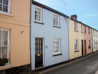 PEBBS Cottage in Appledore