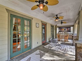 'Captain's Quarters' Apt <1 Mile from Tampa Bay!