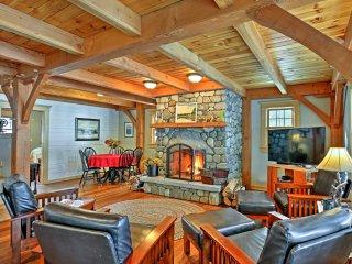 Lakefront Winthrop Home w/Outdoor Bar, Deck & Dock