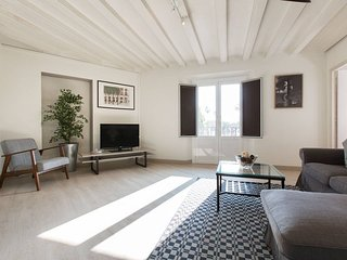 MIRADOR 3 Bedroom Apartment at Port Vell - Tourist Apartment in Barcelona, Catal