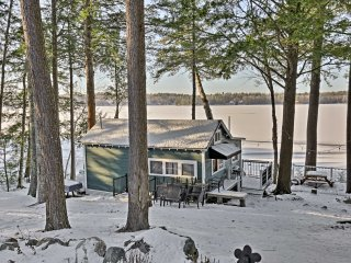 NEW! Cozy 1BR Winthrop Cottage on Maranacook Lake!