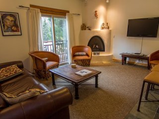 NEW! 2BR Taos Ski Valley Condo 1 Min to Ski Lifts!